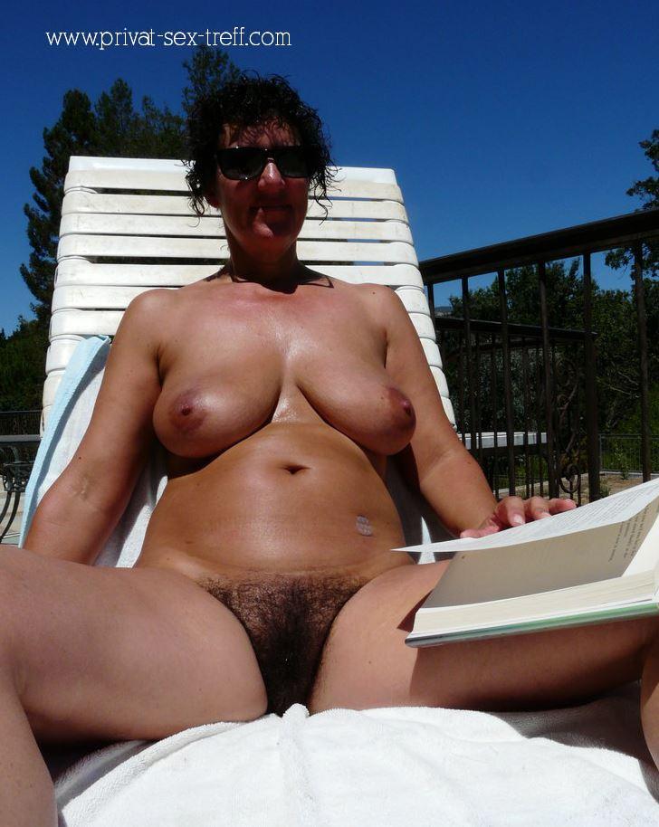 Scharfe reife Frau sucht geile Sex Treffen