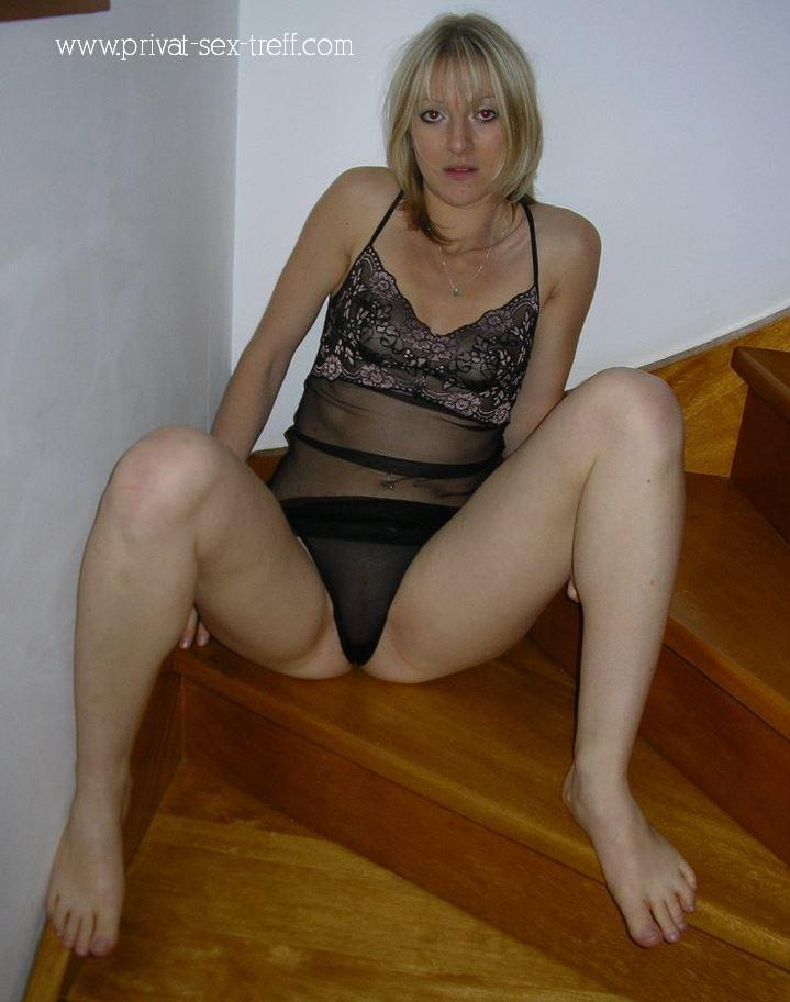 Junge blonde Mutter sucht Freundschaft plus
